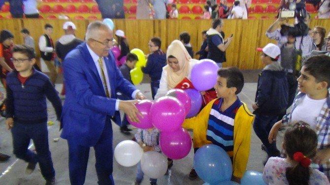 Tokat'ta Balonlu 23 Nisan Kutlaması