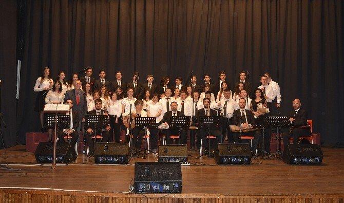 Tepebaşı'nda Çocuklardan 23 Nisan Konseri