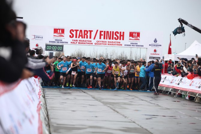 Vodafone İstanbul Yarı Maratonu yarın dünya rekoru için koşulacak