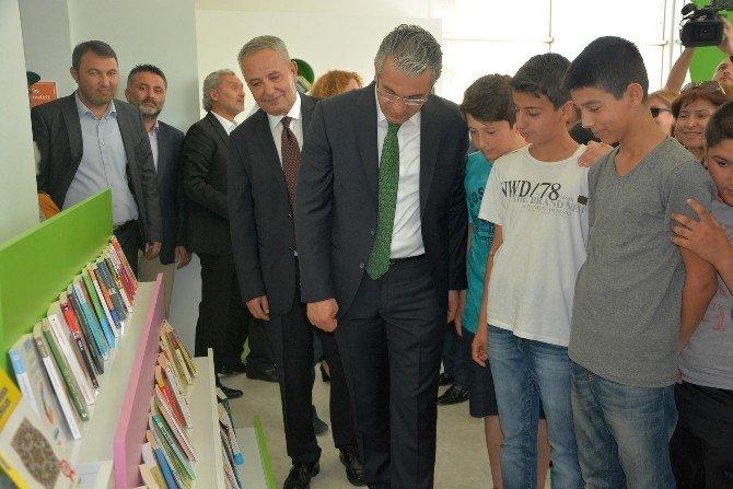Karşıyaka'ya Çocuk Kütüphanesi