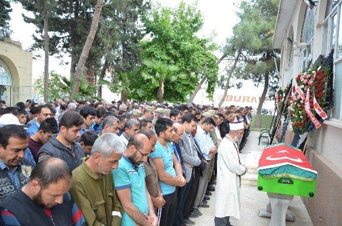 Roketli Saldırıda Hayatını Mahmut Emre Arslan Toprağa Verildi