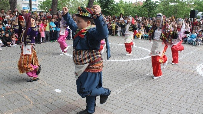 23 Nisan Ulusal Egemenlik Ve Çocuk Bayramı Manyas'ta Kutlandı