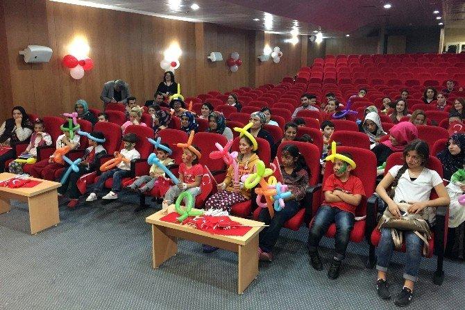 Marmara Üniversitesi Eğitim Ve Araştırma Hastanesi'nde Çocuk Bayramı