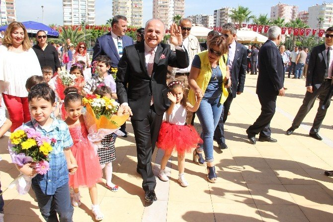 Mersin'de Çocuklar Bayramlarını Coşkuyla Kutladı