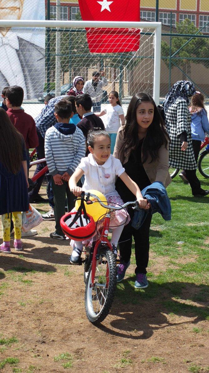 Nevşehir'de, 23 Nisan çoşkuyla kutlandı