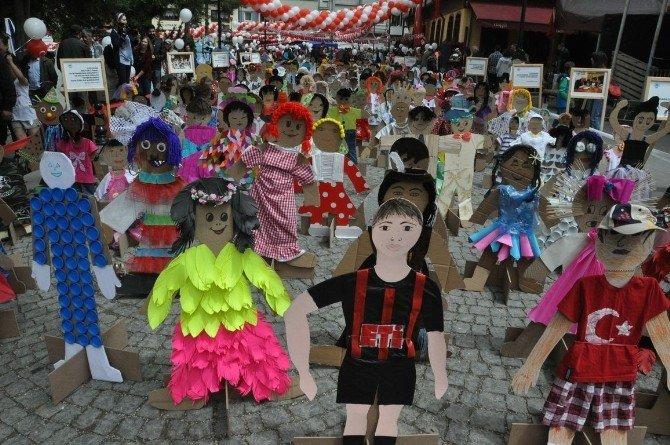 Çocuk Ve Barış Sokağı Açıldı