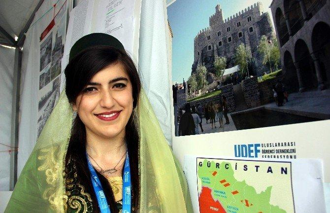 Kütahya'daki 'Uluslararası Öğrenci Buluşması' Renkli Görüntülere Sahne Oldu