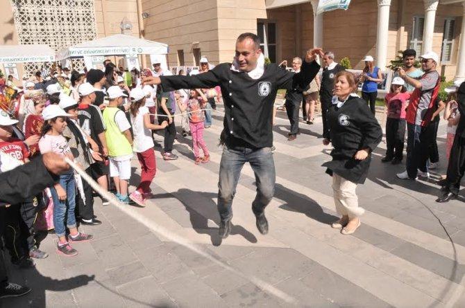 Osmaniye Belediyesi'nden farklı 23 Nisan kutlaması