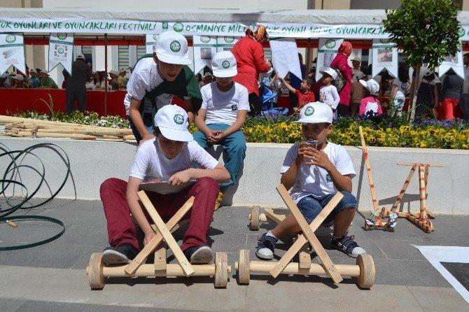 23 Nisan'da Çocuklar İçin Festival Düzenlendi