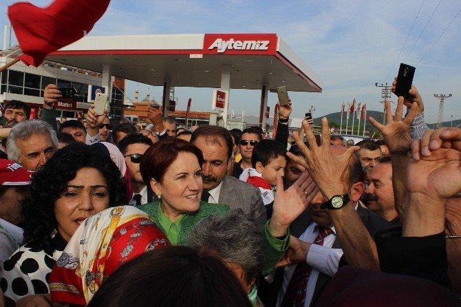 Meral Akşener Bursa'da Coşkuyla Karşılandı
