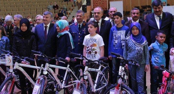 Konya'da 23 Nisan Coşkusu