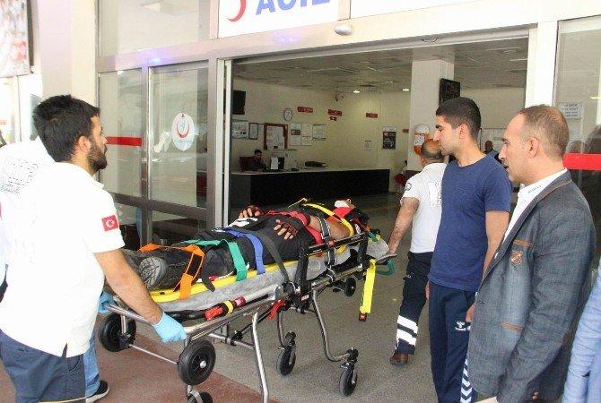 Şanlıurfa'da Polis Ekipleri Kaza Yaptı: 2 Yaralı