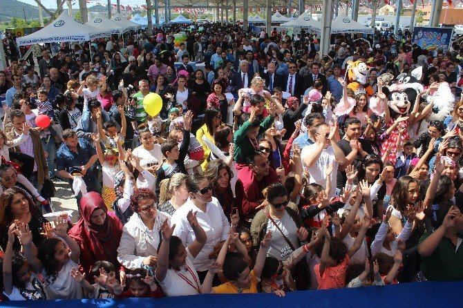 Büyükşehir Belediyesinden Karnaval Havasında 23 Nisan