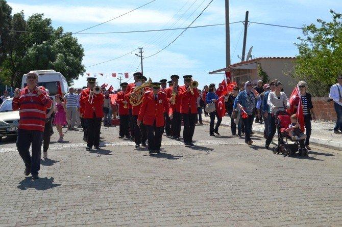 Ayvalık'ta Uluslararası Teferiç Şenlikleri Ve Cumhuriyet Kültür Merkezi Açılış Coşkusu