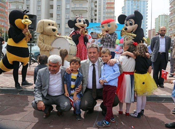 Talas'ta Çocuklara Özel Şenlik