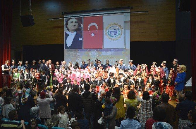 4. Çocuk Festivali'nde Halk Oyunları Yarışması