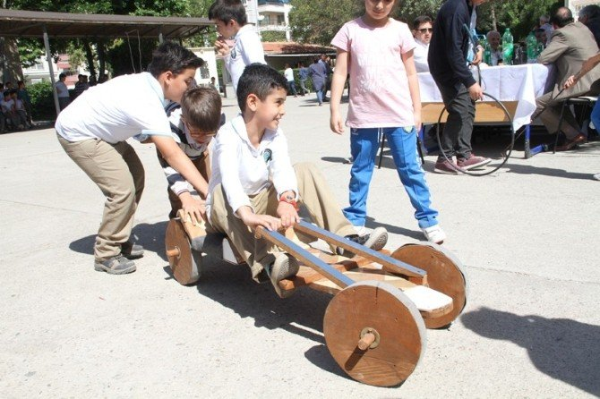 Milas'ta Eski Oyuncaklar Sergilendi