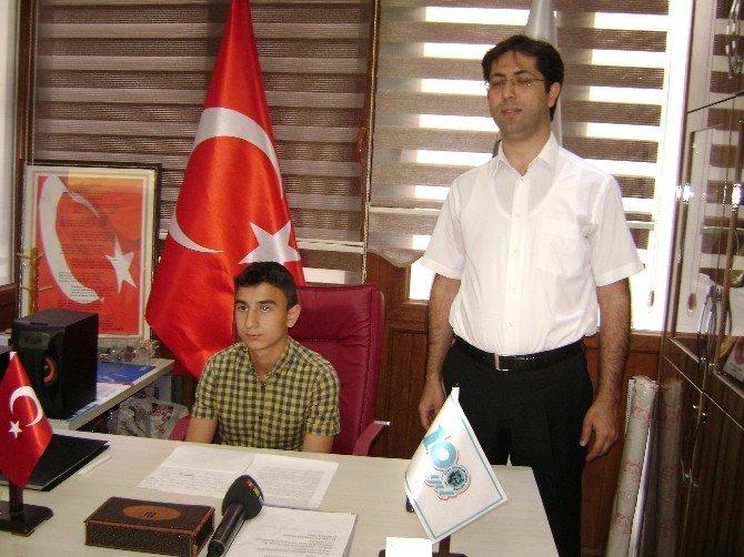 Türk Ocaklarında Başkanlık Koltuğu Çocuklara Teslim Edildi