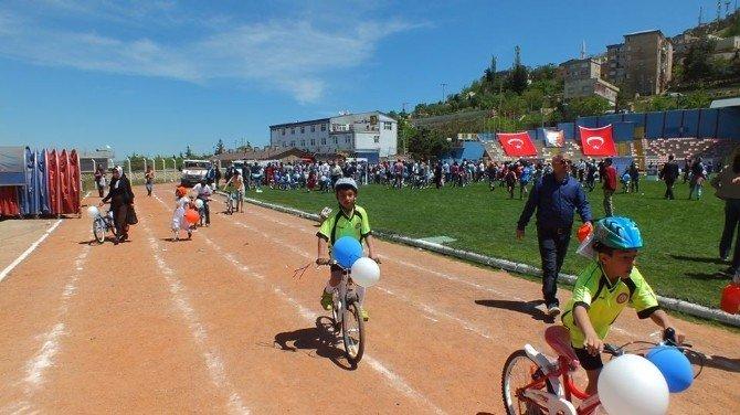 Mardin'de Bisiklet Dağıtım Töreni