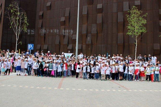 Turmepa, Deniz Görmemiş İstanbullu Çocukları Yalova'ya Getirdi