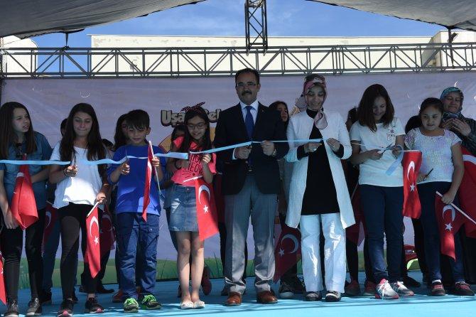 Uşak'ta çocuklar için düzenlenen 23 Nisan Karnavalı başladı