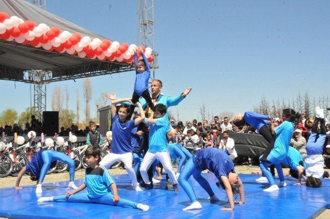 Van'da 23 Nisan Ulusal Egemenlik Ve Çocuk Bayramı Coşkusu