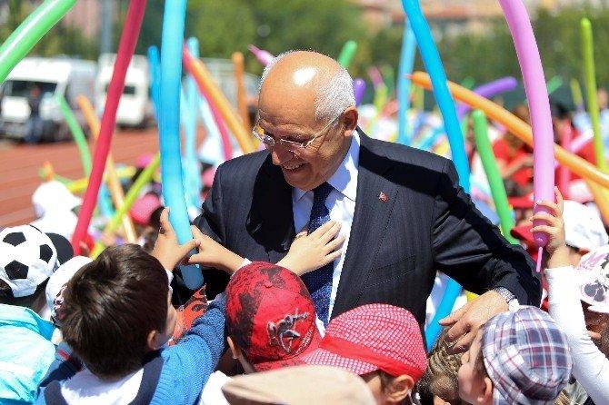 Geleceğin Başkanları Başkan Yaşar'ı Terletti