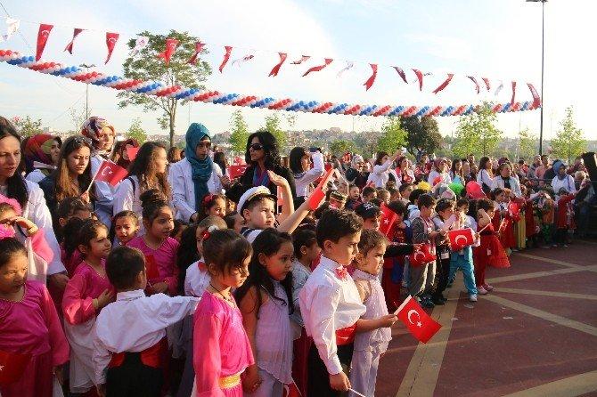 Beyoğlu'nda Gün Boyu 23 Nisan Coşkusu