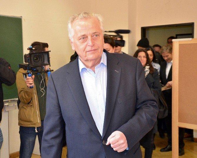 Avusturya'da Halk, Cumhurbaşkanlığı Seçimi Sandık Başına Gitti
