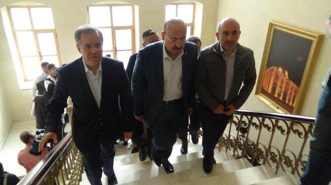 Başbakan Yardımcısı Akdoğan Kilis'te