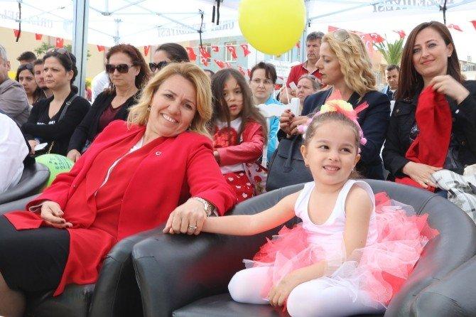 Urla Belediye Konservatuvarı Miniklerinin 23 Nisan Coşkusu