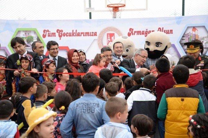 Bilecik Belediyesi'nin 23 Nisan Armağanı 12 Park Hizmete Açıldı