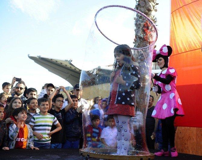 Dünyaca Ünlü Crazy Bubble Show Vıaport Marına'da