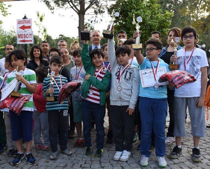 İncirliova'da Satranç Turnuvası Düzenlendi