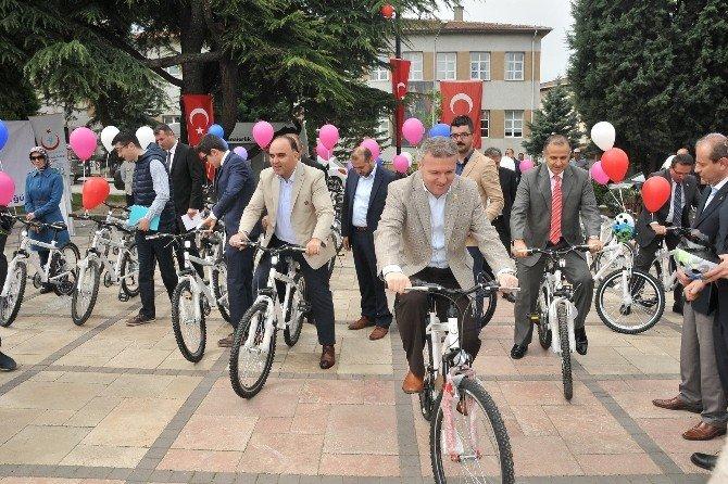 Kastamonu'da Öğrencilere 500 Adet Bisiklet Dağıtıldı
