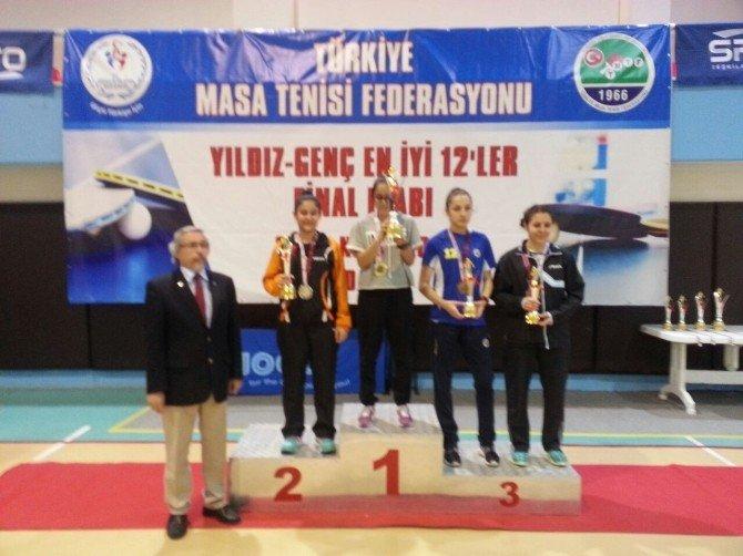 Özge Yılmaz Ve Betül Nur Kahraman Masa Tenisinde Kayseri'nin Gururu Oldu