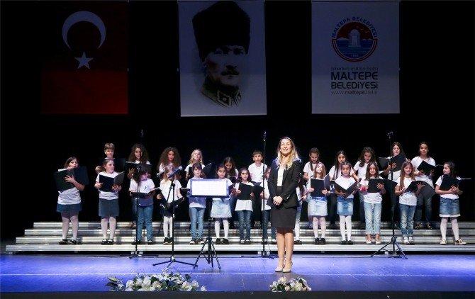 140 Kişilik Çocuk Korosu'ndan Unutulmaz 23 Nisan Konseri