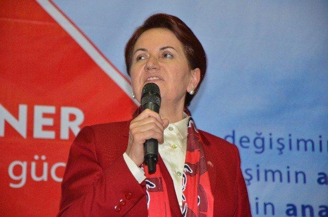 """Akşener: """"Türkiye'yi Bayram Sofrasına Çevireceğiz"""""""