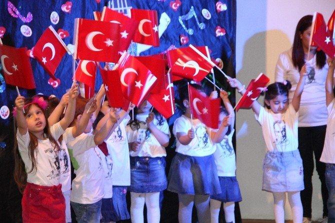 Minikler 23 Nisan Etkinliğini Coşkuyla Kutladı