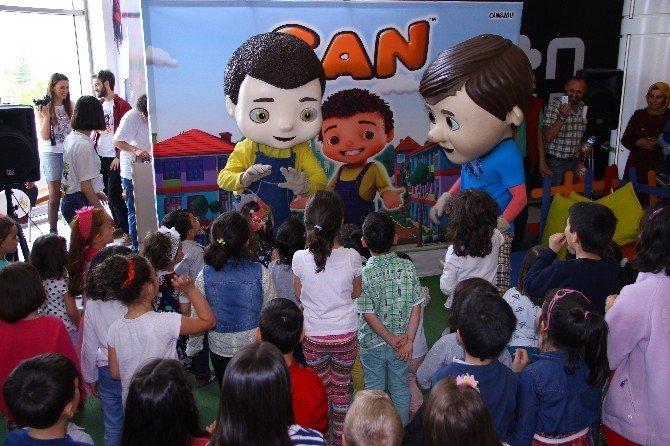 """Çocuklar Çizgi Film Karakteri """"Can""""la Neoplus'ta Eğlendi"""