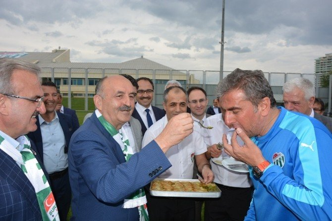 """Müezzinoğlu: """"Bursalı Sanayiciler Bursaspor'a Sahip Çıksın"""""""
