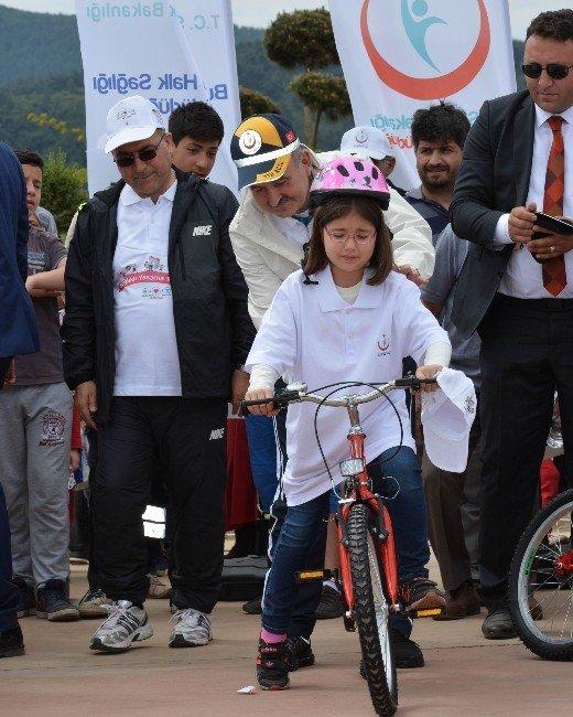 1 Metre Bisiklet Yoluna 1 Bisiklet
