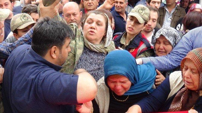 """Şehit Annesi: """"Senin Yerine Ben Savaşacağım"""