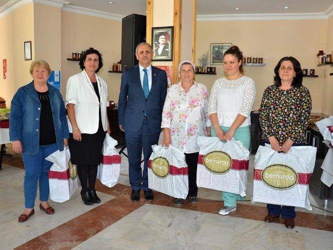 Yemek Yarışmasında NKÜ'ye Çifte Ödül