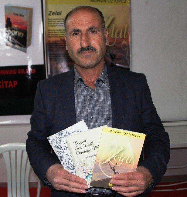 İnşaat İşçisi Öztopçu'nun Üçüncü Şiir Kitabı Çıktı