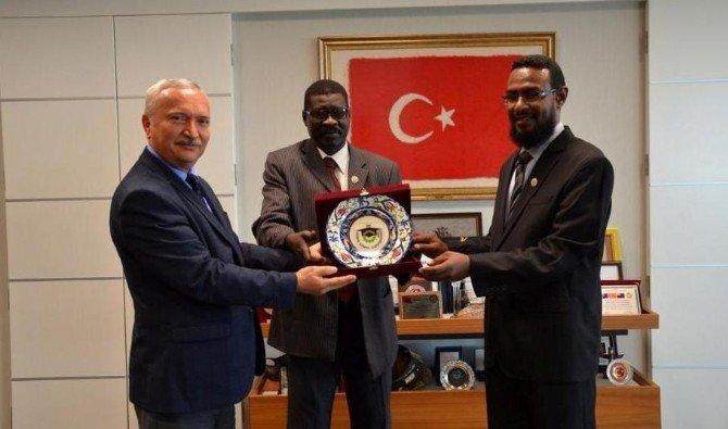 Sudan'ın Alneelain Üniversitesi Heyeti NKÜ'ye Hayran Kaldı