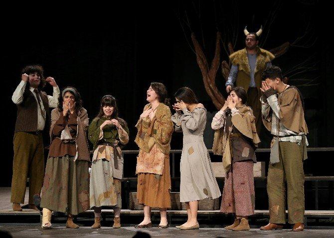 Karşıyakalı Tiyatroculardan İzleyici Rekoru