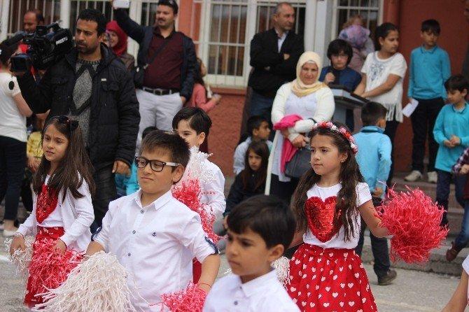 23 Nisan Törenleri Okullarda Kutlanmaya Devam Etti