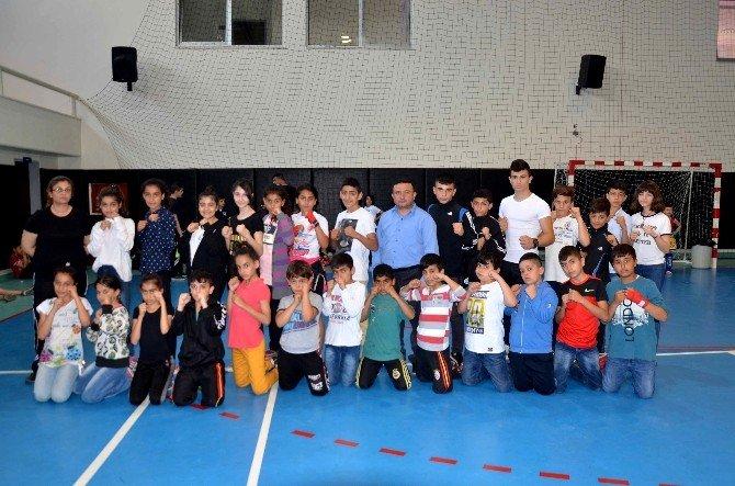 Kulüplerarası Muay Thai Dostluk Turnuvası Yapıldı