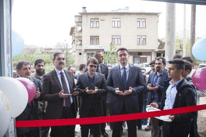 Ahlat'ta Kermes Açıldı